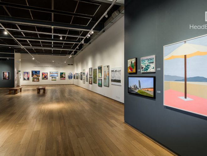 minimalist and modern mall art gallery