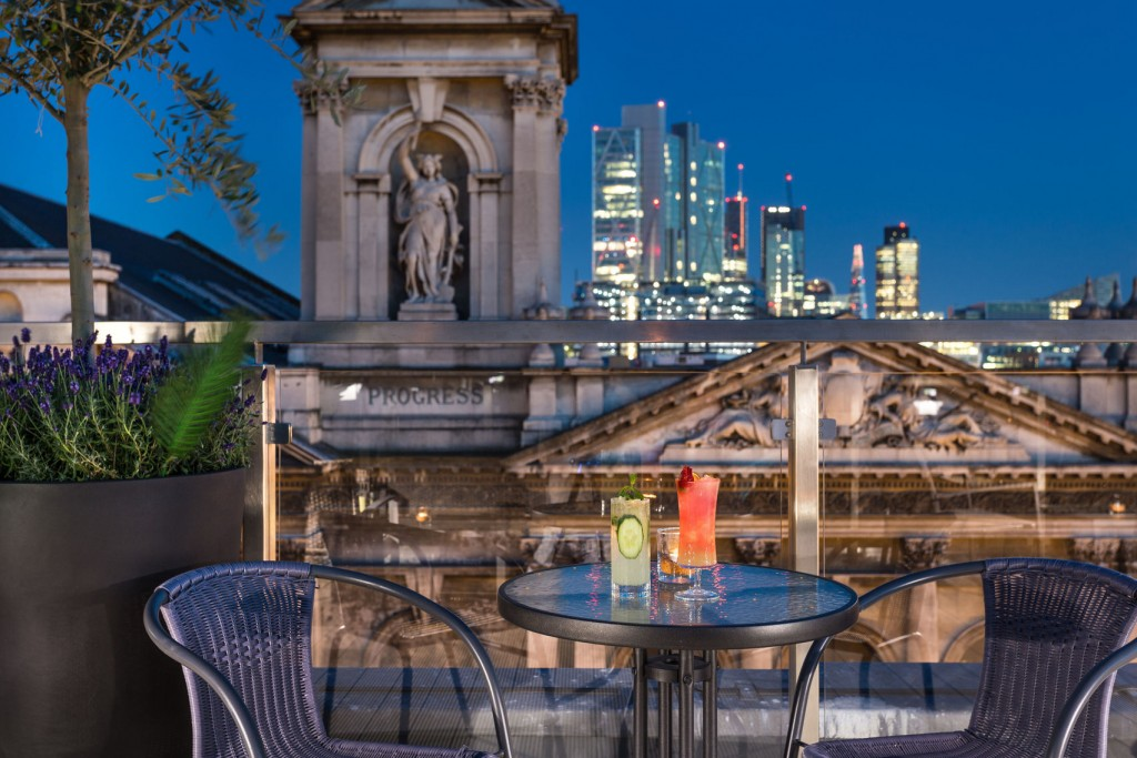 Best rooftop bars in london for you to hire from headbox for Rooftop bar and terrace