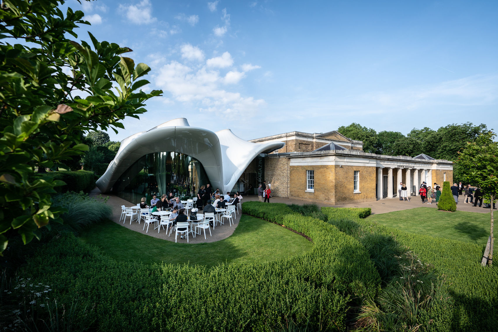 the outside of the serpentine sackler gallery